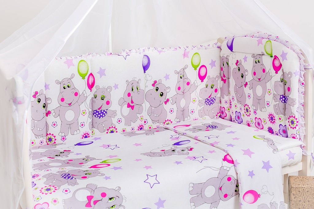 Комплект в кроватку Dream Royal Веселый бегемотик, КП5(Вб)КП5(Вб)1. Бортики 120*60 - 2 шт; 60*40 - 2 шт 2. Одеяло 120*140 3. Простынь 60*120*15 на резинке 4. Подушка 60*40 - 1 шт 5. Пододеяльник 123*143