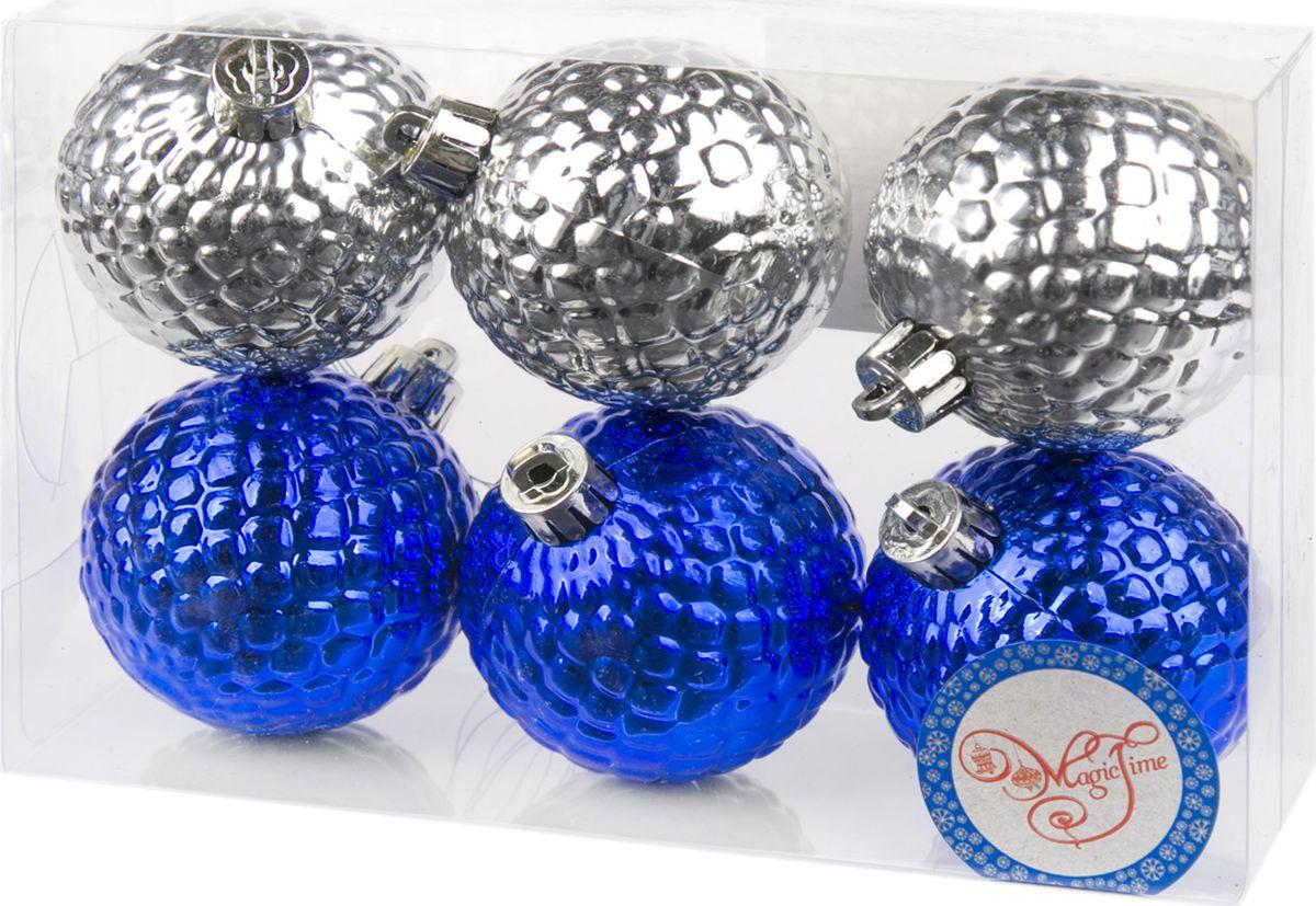 Набор новогодних подвесных украшений Magic Time Ассорти. Шары, цвет: синий, серебристый, 6 см, 6 шт magic time новогоднее подвесн украш шар ассорти фиолетовое с золотым арт 35523 6 см набор 6 штук пластик