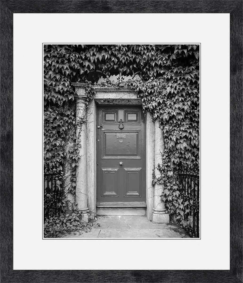 Картина Postermarket Старинная дверь, 33 х 40 см цена