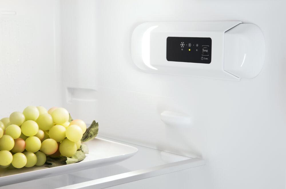 Холодильник Hotpoint-Ariston BCB 70301 AA RU, белый Hotpoint-Ariston