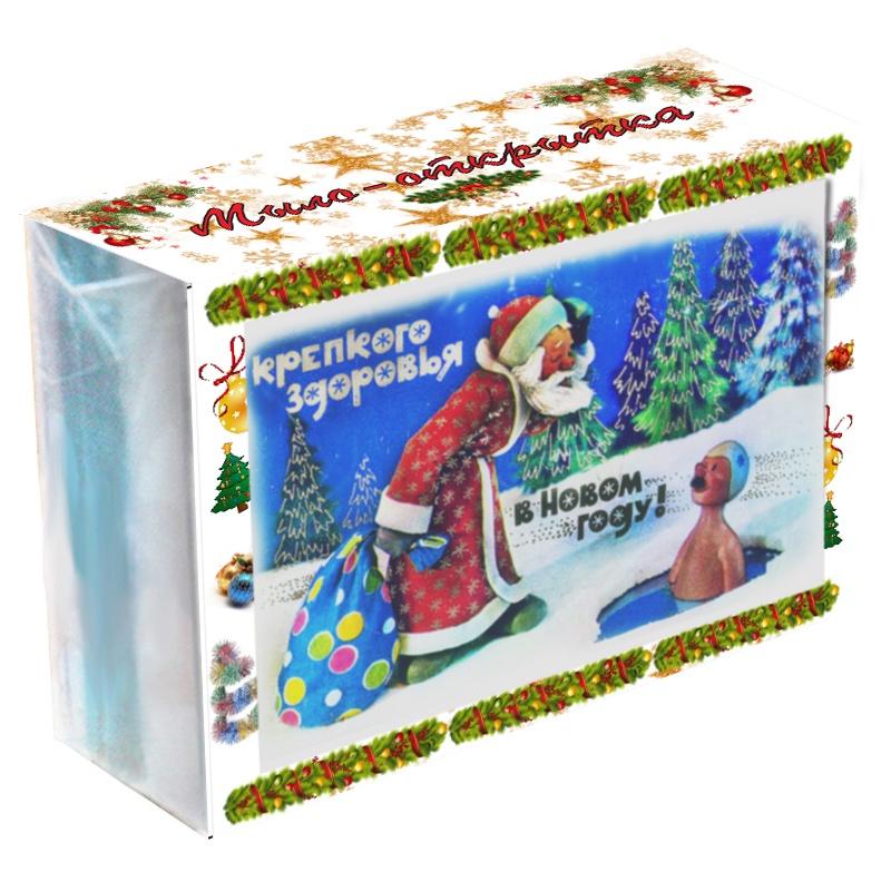 Мыло туалетное ЭЛИБЭСТ Мыло-открытка С Новым годом!70019Новогодняя открытка из мыла – прекрасный маленький подарок на Новый год! Качественная красивая упаковка с праздничным оформлением, картинка с символом наступающего года, ароматное мыло (3+) с ухаживающим маслом. Мыло-открытка марки «ЭЛИБЭСТ» - не просто красивый и полезный подарок, но и прекрасное натуральное глицериновое мыло. Мыло изготовлено из мыльной основы «sls free», то есть не содержит агрессивных моющих компонентов. Ароматическое масло создает приятный нежный запах. Аромат сохраняется в мыле до полного смыливания и некоторое время остается на коже после мытья. Мыло трехслойное. Слои: прозрачный, белый и цветной. Цветное мыло выглядит более изящно. Для окраски используется пищевой пигментный краситель. Пена при намыливании не окрашивается, а остаётся белой. Масло абрикосовой косточки, полученное по технологии прямого отжима, сохраняет силу природы. Мягко ухаживает за кожей, как во время мытья, так и после. Мылом «ЭЛИБЭСТ» очень приятно пользоваться, а после мытья кожа становится чистой и бархатной. Картинка внутри мыла постепенно исчезнет, по мере истончения прозрачного слоя. Это происходит незаметно, благодаря специальной водорастворимой бумаге, которая несет изображение и пигментным краскам. Трехслойная упаковка придает мылу элегантность и законченность. Она дополняет картинку внутри мыла, такое сочетание упаковки и картинки внутри мыла и делает мыло открыткой. Упаковка прозрачная и достаточно прочная. Она оставляет мыло открытым для взора и в тоже время отлично защ...