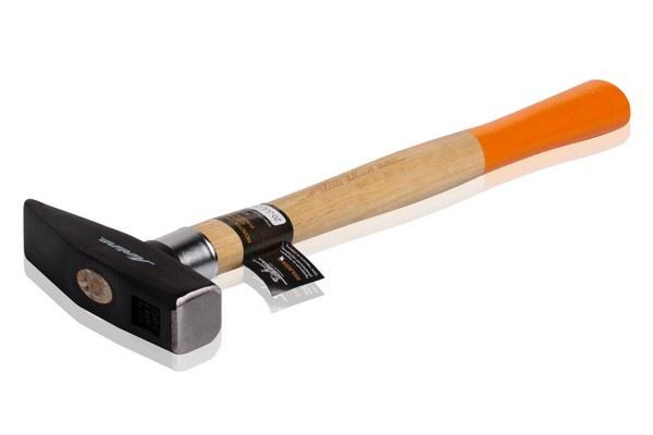 Молоток слесарный с деревянной рукояткой 500гр (AT-HW-02)