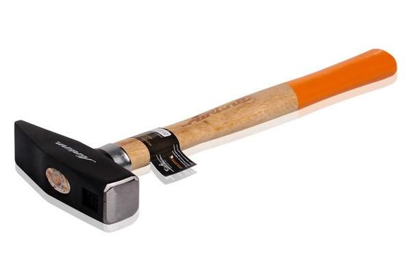 Молоток слесарный Airline с деревянной рукояткой, AT-HW-03 молоток слесарный с деревянной ручкой brigadier gravity