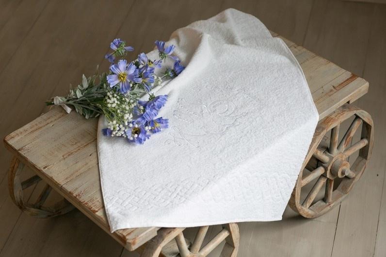 Крестильное полотенце Alivia Kids, 1270910130, 130 х 70 см, белый крестильная одежда alivia kids крестильное полотенце с крестом 130х70 12 701