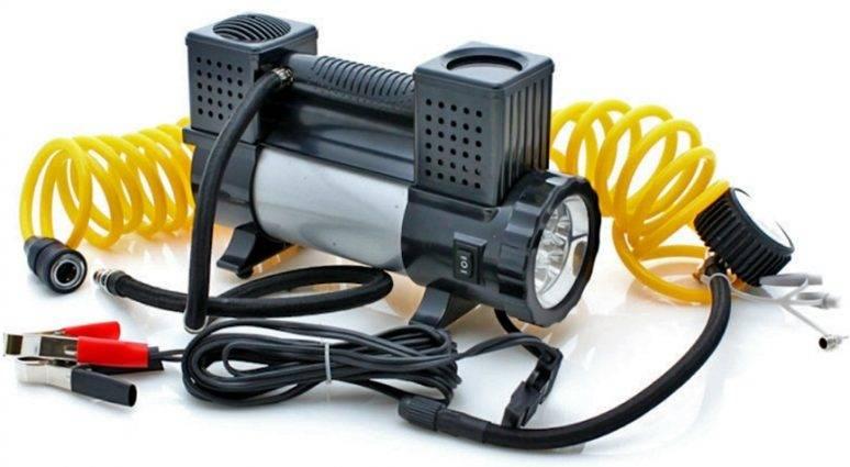 Автомобильный компрессор AUTOLUXE Компрессор с фонарем «Мистраль», серый, черно-серый автомобильный компрессор starwind cc 280 35л мин шланг 3м
