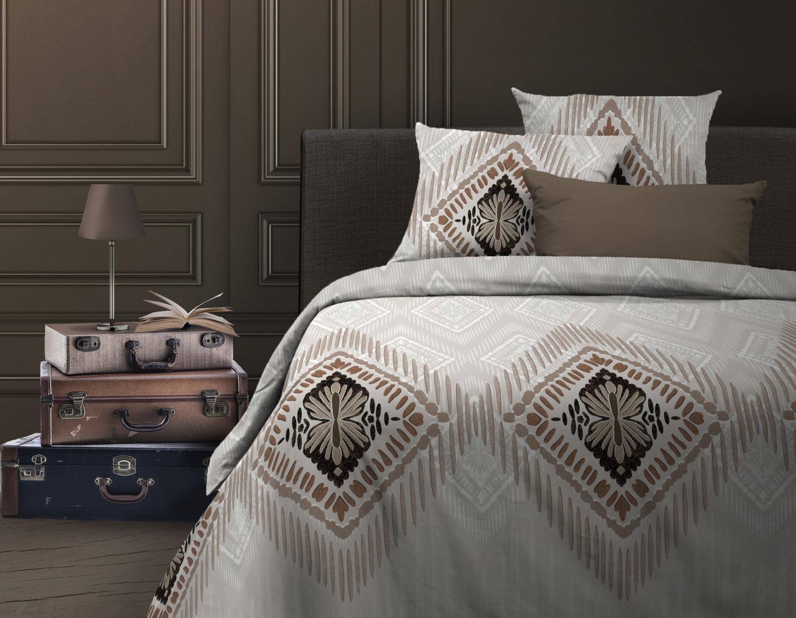 Комплект белья Wenge Cowboy, 525988, 2-спальный, наволочки 70х70525988Комплект постельного белья Wenge Cowboy— это сочетание непревзойденного дизайна и прекрасного качества исполнения. Он не только внесет яркий акцент в интерьер вашей спальни, но и добавит ей гармонии, индивидуальности и особого домашнего уюта.Белье выполнено из бязи и украшено изысканным рисунком. Бязь широко используется в производстве домашнего текстиля, так как отвечает всем, предъявляемым к данному типу изделий, требованиям. Ткань — хлопчатобумажная, отличается высокой прочностью и особой технологией переплетения нитей. Вместе с тем, она отлично впитывает влагу, поддерживает естественный температурный баланс тела, не электризуется и не скользит во время сна. Рисунок нанесен с использованием высококачественных красителей, не выцветает и не линяет во время стирки.