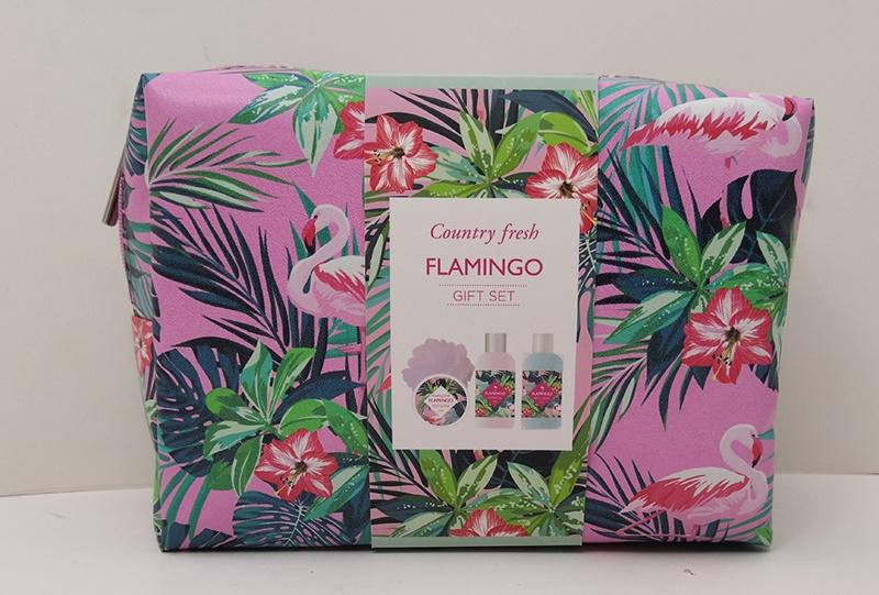 Подарочный набор Country Fresh Flamingo Гель для душа, 120 мл + лосьон для тела, 120 мл + скраб для тела, 50 мл + мочалка, 00822 подарочный набор нежное прикосновение в розовой фирменной косметичке 50 мл 30 мл 200 мл