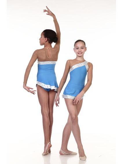 Купальник для выступлений Chersa, цвет: синий. Размер 134/1407844-синийКупальник гимнастический выполнен из высококачественного бифлекса со вставками из сетки-стрейч и голограммы. Этот нарядный купальник имитирует платье с ассиметричным плечом. Имеет длинный рукав, круглый вырез горловины с застежкой крючок, вырез капелька на спине и короткую ассиметричную юбочку. Купальник с юбочкой подойдет для выступлений по художественной и эстетической гимнастике.