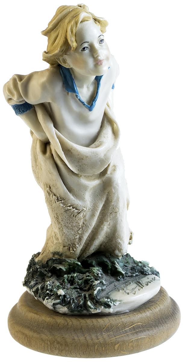 Capodimonte! Статуэтка Бег в мешках, авторская работа. Роспись, дерево, ручная работа. Высота 13 см. Capodimonte, Италия, 1986 года лампочка asd led шар standard e27 3 5w 4000k 160 260v 4690612002040