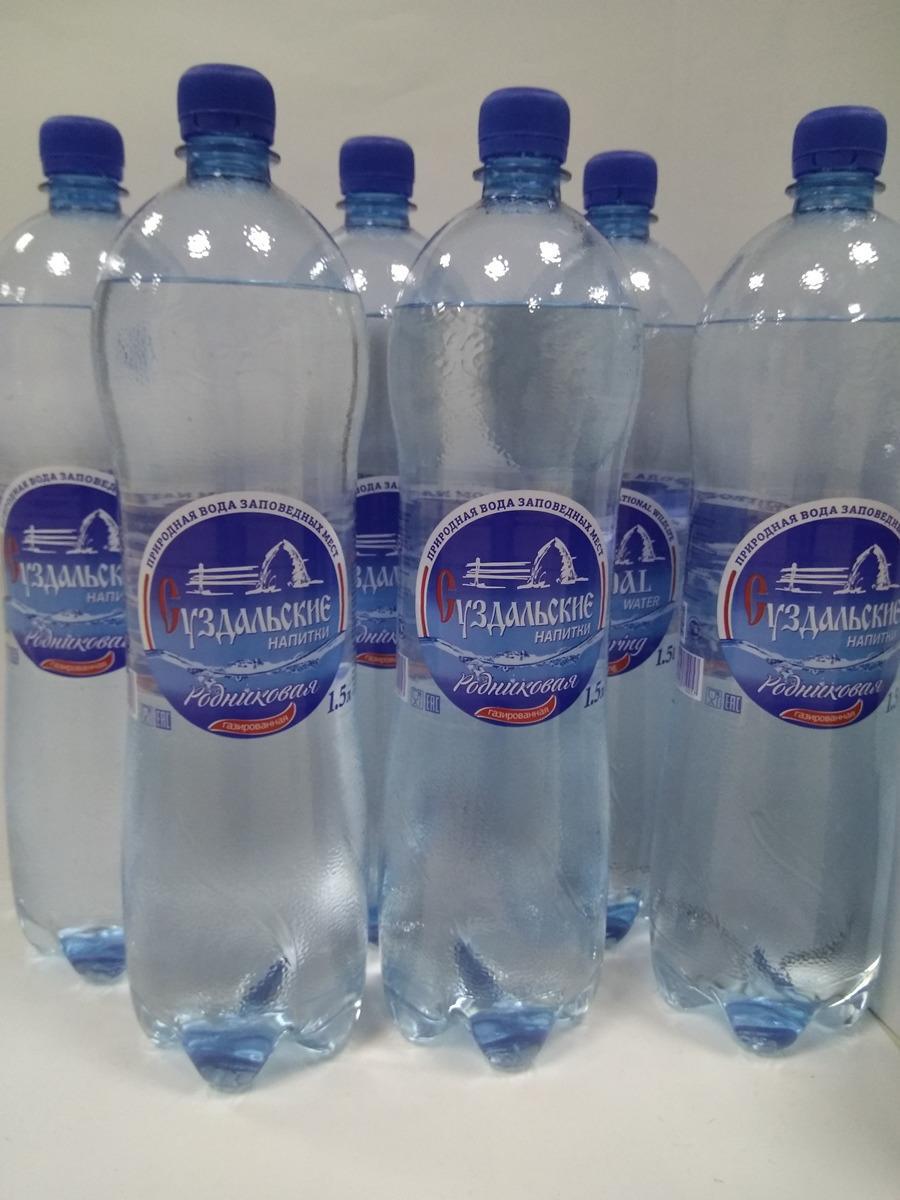 Вода Суздальские напитки, родниковая, газированная, 6 шт х 1.5 л