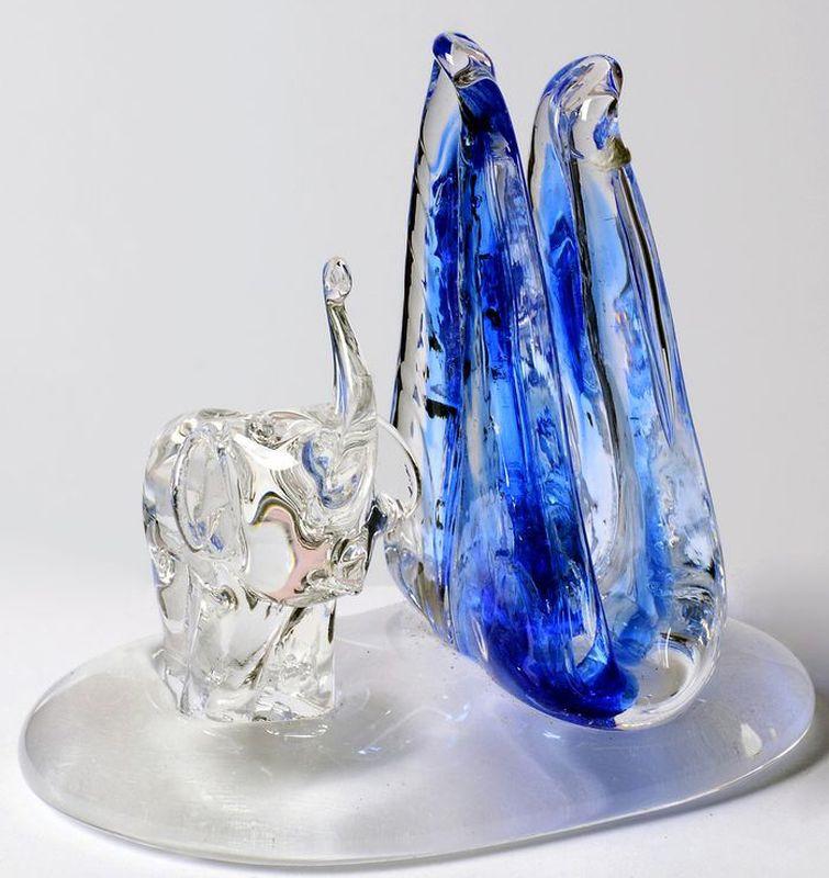 Салфетница Bohemia Crystal, цвет: прозрачный, синий. 3375633756Чешское и богемское стекло считается критерием благосостояния своих владельцев. Чешское стекло, не только обладают высокими потребительскими характеристиками, но и являются украшением Вашего интерьера.