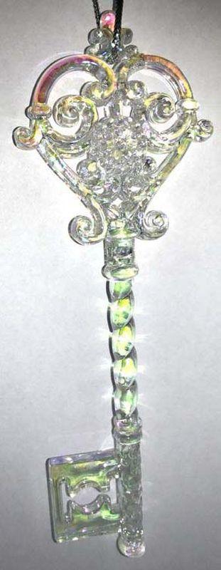 Подвесное украшение Яркий Праздник Ключ, цвет: жемчужный, розовый, 15 х 5 см подвесное украшение яркий праздник корона цвет красный 5 х 2 х 5 см