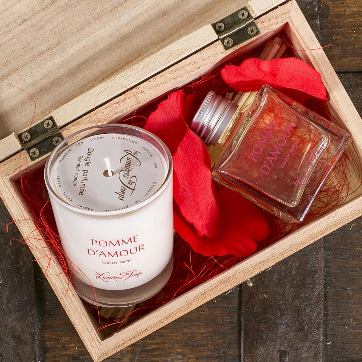 Подарочный набор Les Lumieres du Temps Яблоко любви: аромадиффузор, 50 мл + ароматическая восковая свеча, 90 г + тростниковые палочки