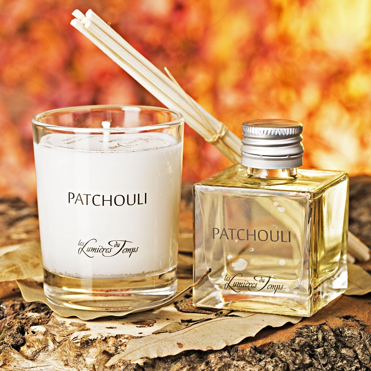 Подарочный набор Les Lumieres du Temps Пачули: аромадиффузор, 50 мл + ароматическая восковая свеча, 90 г + тростниковые палочкиCOF1 PAPATCHOULI / ПАЧУЛИ (шоколад — ваниль — пачули ) Эта королева ароматов обладает сильным характером, с древесными камфорными нотками и загадочной гвоздикой.В подарочный набор входят: аромадиффузор (50 мл), ароматическая восковая свеча (90 гр), тростниковые палочки, деревянная коробочка, декоративные наполнители.Во главу всего фабрика LUMIERE ставит ремесленное ручное производство, использование первичных материалов исключительно высшего качества (растительный воск, эссенции из Грааса, фитили из хлопка, БЕЗСПИРТОВЫЕ диффузоры). Ассортимент ароматов насчитывает более 60 уникальных вариантов!Благодаря воску натурального происхождения, свечи при горении не дымят и не оставляют копоть.