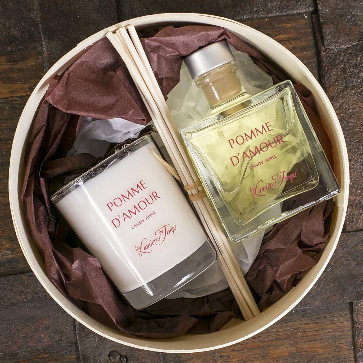 Подарочный набор Les Lumieres du Temps Яблоко любви: аромадиффузор, 100 мл + ароматическая восковая свеча, 90 г + тростниковые палочки