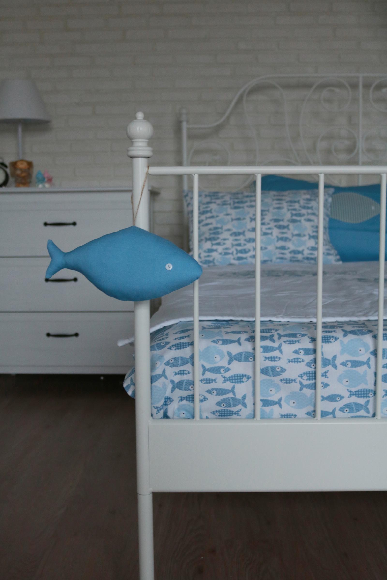 Детский комплект постельного белья Семейные ценности Комплект детского постельного белья Рыбки 0 плюс одеяло стеганое простынь наволочка КБД2017111 голубой Семейные ценности
