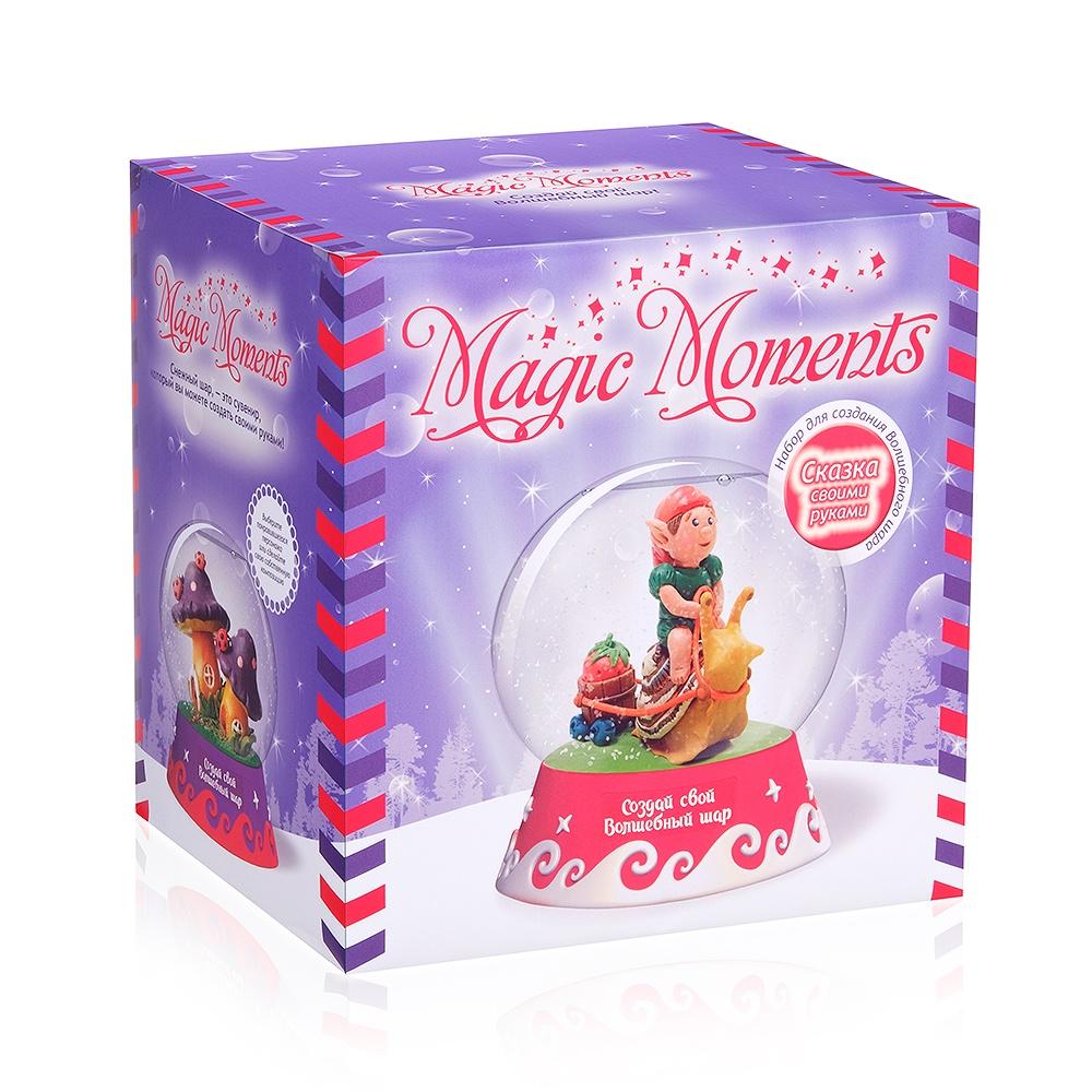 Набор для лепки Magic Moments Большой набор Создай Волшебный шарФиолетовыйmm-10Создавайте сказочные сюжеты в миниатюре и сохраняйте их надолго! Волшебный шар – это сувенир, внутри которого находится целый уютный мир. Сделайте такой шар своими руками с помощью большого набора Magic Moments. В комплекте вы найдете все нужные материалы для работы, включая сам легкий шар из пластика и инструкцию на русском языке. В ней описаны все этапы работы и дано пошаговое руководство по лепке двух фигурок – «Эльф» и «Грибы». Лепите фигурки из пластилина как профессионал, прикрепляйте их к основанию шара, добавляйте блестки и снег. Шар можно переделывать многократно, создавая новые композиции и экспериментируя с материалами. Ребенок научится делать неповторимые сувениры своими руками и разовьет творческий потенциал. В наборе: подробная инструкция, сферическая основа для шара, фигурная подставка для сувенира, цветной пластилин, доска для лепки, подставка для композиции, специальная жидкость, два вида блесток для создания снежного эффекта