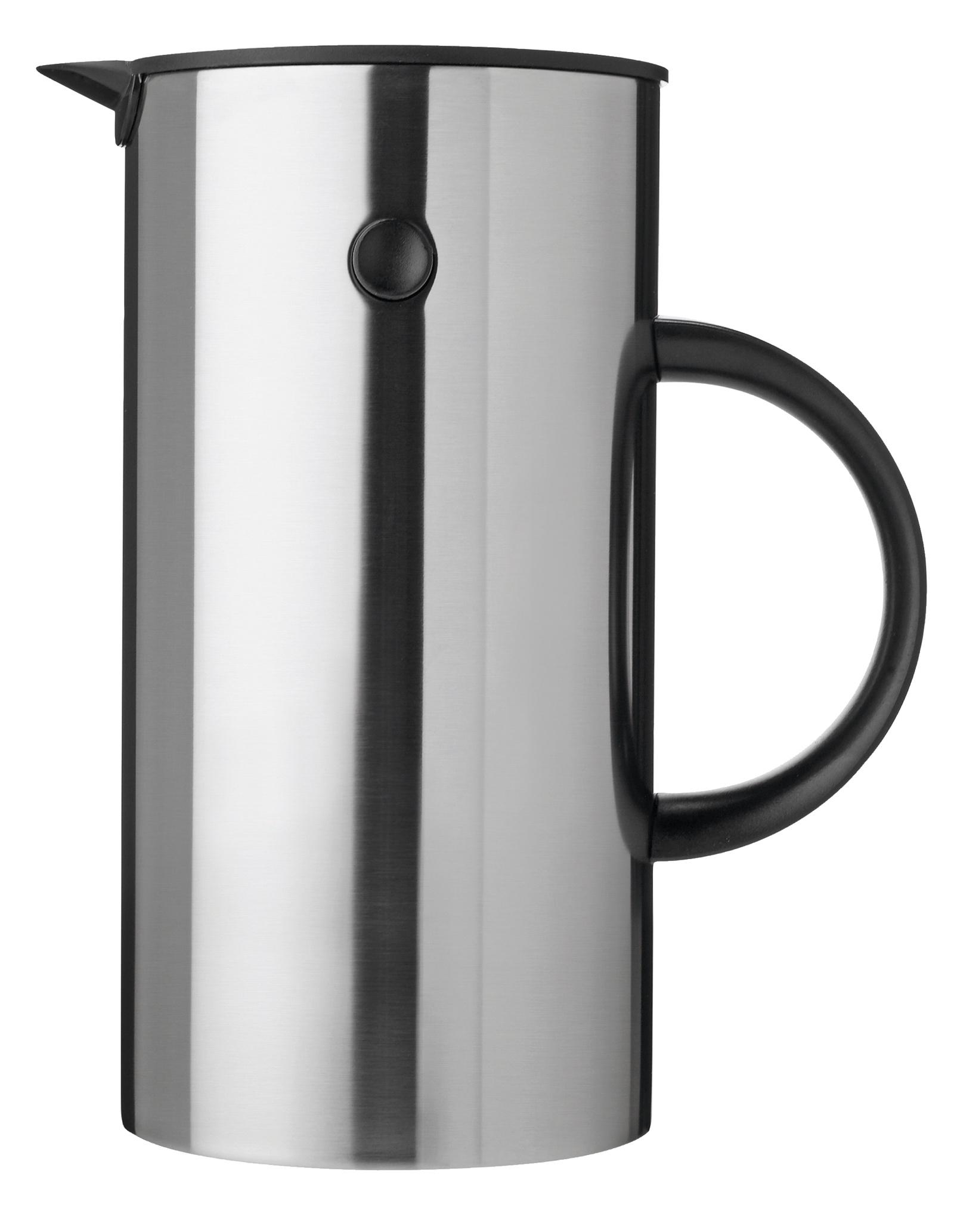 Вакуумный термос Stelton EM77 0,5L, 915915Материал: нержавеющая сталь. Размер: высота 22, длина 13,5, ширина 13,5. Цвет: металлический. Объем 0,5л.Термос предназначен для чая и кофе. Термос не подходит для любых напитков, содержащих жир(например, молоко, какао и т.п.). Свойства поддержания температуры напитка: через 1 час - около 88°C, через 2 часа - около 83°C, через 4 часа - около 78°C, через 6 часов - около 71°C. Идеальная температура свежесваренного кофе, согласно European Coffee Brewing Centre (www.ecbc.info), составляет 80-85°C. Таким образом, теплоизоляционные свойства термоса позволят поддерживать идеальную температуру кофе на протяжении долгого времени. Специальная пробка для пикника позволяет закрыть термос, чтобы напиток не выливался. Таким образом, Вы всегда можете взять с собой термос с Вашим любимыми напитком, не переживая, что жидкость прольется. Стеклянная емкость сделана из 2х слоев тонкого стекла с вакуумом между внутренним и внешним стеклами. Таким образом, Вы всегда можете взять с собой термос с Вашим любимыми напитком, не переживая, что жидкость прольется. Стеклянная емкость сделана из 2х слоев тонкого стекла с вакуумом между внутренним и внешним стеклами.