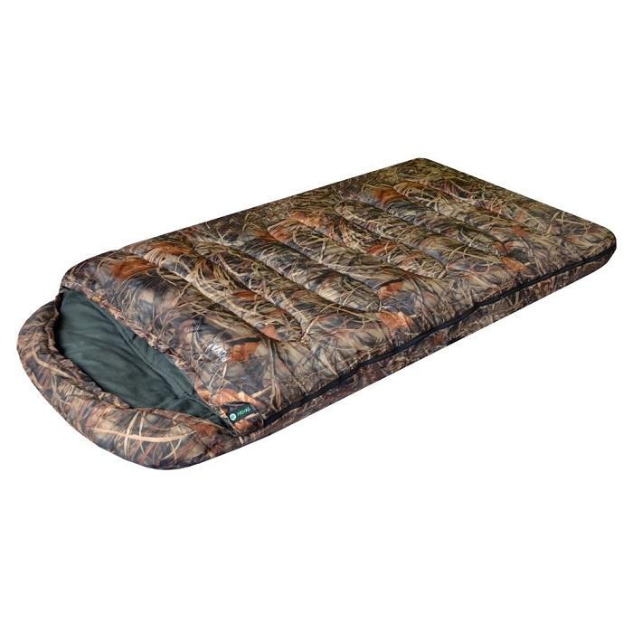 """Спальный мешок Prival Берлога II КМФ, желтый, зеленый, коричневый, оливковый, хакиSPR0012-LСпальный мешок БЕРЛОГА II КМФ (Prival) – незаменимый туристический спальный мешок для охоты, рыбалки или просто отдыха в холодное время года. Спальный мешок БЕРЛОГА II КМФ - очень теплый зимний спальник. Такие характеристики спальному мешку придает объемный утеплитель из овечьей шерсти – шервисин. Это уникальное полотно обладает утепляющими и лечебными свойствами овечьей шерсти, и, в отличие от гусиного пуха, не слеживается после стирки, легче и компактнее, прост в уходе. Также, благодаря увеличенным размерам, этот спальный мешок подойдет высоким или полным людям, а также тем, кто любит спать свободно. Спальный мешок снабжен двухзамковой разъемной молнией, что позволяет быстро и легко соединить его с другим таким же спальником. Имеет сберегающую тепло планку по краям молнии с внутренней стороны. В нижней части спального мешка находятся петли для удобной просушки и хранения. Характеристики: Тип спального мешка: Одеяло с капюшоном Материал внешней ткани: Poly Dewspa Материал внутренней ткани: Фланель 100% хлопок Наполнитель: шервисин Длина: 220 см Ширина: 110 см Вес: 3,2 кг Упаковка: Компрессионный мешок Размеры в свернутом виде (ДхШхВ): 47х35х30 см Цвет: камуфляж """"Лес"""" Особенности: Возможность состегивания Наличие кармана Защита от заедания молнии Утепляющая планка молнии Утепляющий воротник Петли для сушки Наполнитель ШЕРВИСИН (шерсть) Производитель имеет право вносить в модель конструктивные изменения или менять расцветку изделия! Все параметры Вы можете уточнить по ..."""