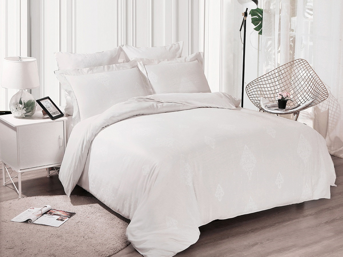 цена Комплект постельного белья Cleo Soft Cotton, евро, 31/017-SC, белый, наволочки 50х70, 70х70 онлайн в 2017 году