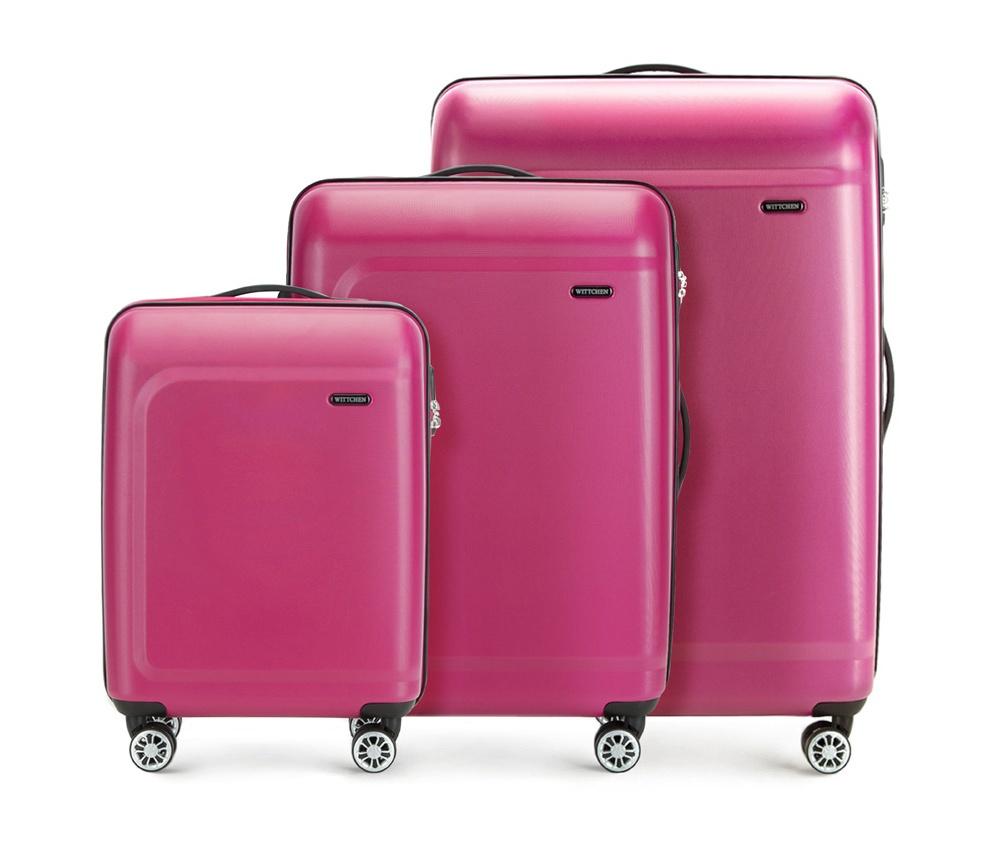 Комплект чемоданов Wittchen 56-3H-51S, розовый56-3H-51S-60Комплект чемоданов из коллекции TP-Power изготовлен из термопластичного полимера - инновационного материала, который характеризуется высокой прочностью.Имеет четыре поворотных колеса,подножку для стабилности, телескопическую ручку и дополнительную ручку, облегчающие перемещение багажа. В состав комплекта входят: Маленький чемодан на колесах 56-3H-511 средний, чемодан на колесах 56-3H-512, большой чемодан на колесиках 56-3H-513. Внутри: - основное отделение на молнии с регулируемыми ремнями, которые предохраняют одежду от перемещения; - карман -сетка на молнии; - два кармана на молнии.Характеристики продукта:артикул товара: 56-3H-51S-60глубина (см): 19 - 26 - 29материал: Полимервысота (см): 54 - 67 - 77вес (кг): 2,6 - 3,4 - 4,7ширина (см): 39 - 45 - 51величина: комплектобъем (л): 31 - 62 - 91подкладка: полиэстер