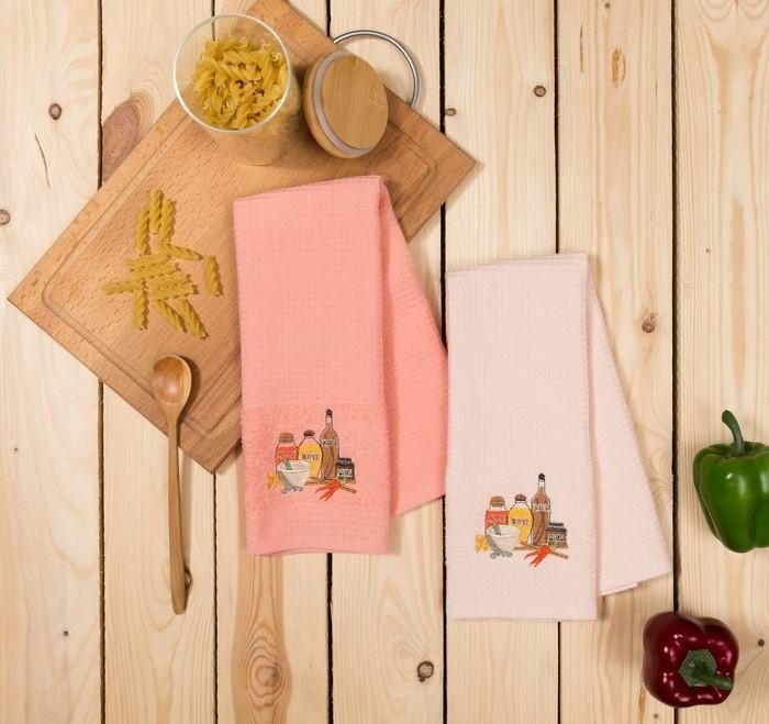 Набор кухонных полотенец Allegro Специи, AL2SPI SP, светло-розовый, коралловыйAL2SPI SPНабор полотенец ( 2 шт.) с вышивкой. уникальное двустороннее вафельно-махровое полотно, 100 % хлопок . Удобное в использовании, практичное, новый подход в использовании кухонных полотенец Индивидуальная упаковка ПВХ с крючком