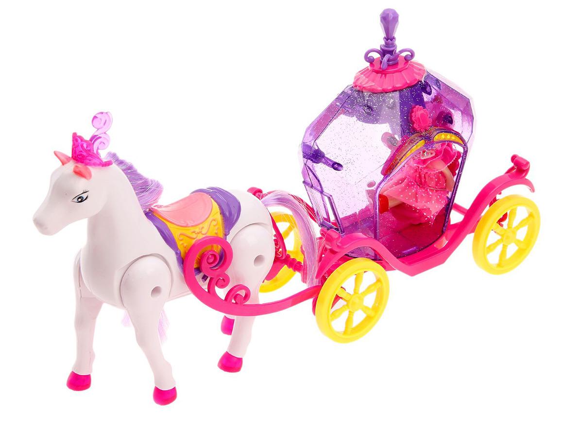 Игровой набор с мини-куклой Карета волшебная, 24530012453001Роскошная карета с куколкой перенесет малышку в прошлое, когда знатные лорды и леди ездили в крытых повозках. Девочке понравится необычный дизайн экипажа, очаровательная лошадка и красавица куколка. Она с удовольствием будет усаживать куклу-принцессу в карету, расчесывать гриву лошадке и отправлять их на прогулку по королевству. С этим набором сюжеты будут возникать сами собой. Играя, маленькая фантазерка разовьет воображение, образное мышление, визуальное и эмоциональное восприятие.
