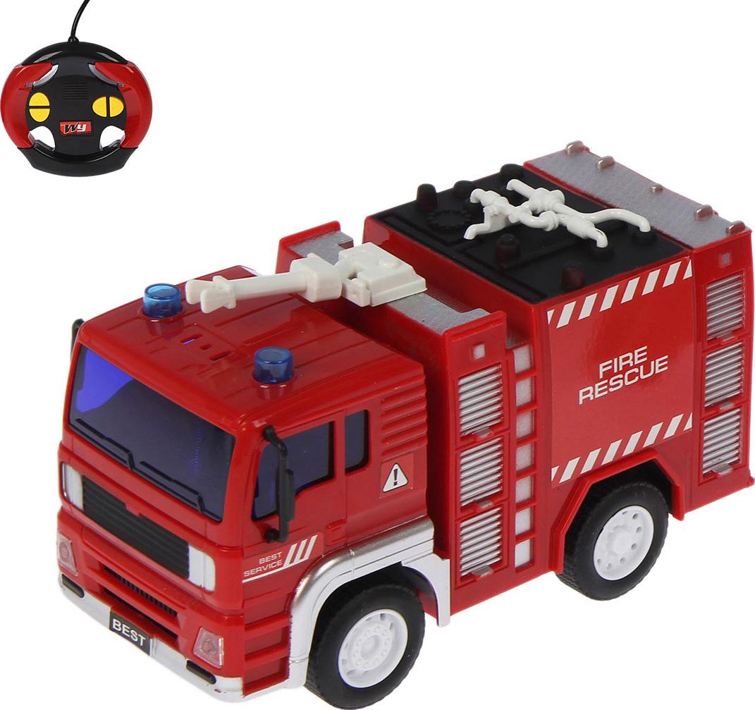 Машинка радиоуправляемая Пожарная, 23348722334872С яркой спецтехникой мальчишка вступит в ряды огнеборцев и будет храбро сражаться со стихией. На маневренном автомобиле ребенок мгновенно отправится к месту происшествия и потушит возгорание. Пожарная машина быстро и точно реагирует на сигналы с пульта: подчиняясь им, техника движется вперед, назад, вправо и влево. Для начала работы транспорта потребуется 3 батарейки типа ААА и 2 АА (приобретаются отдельно).