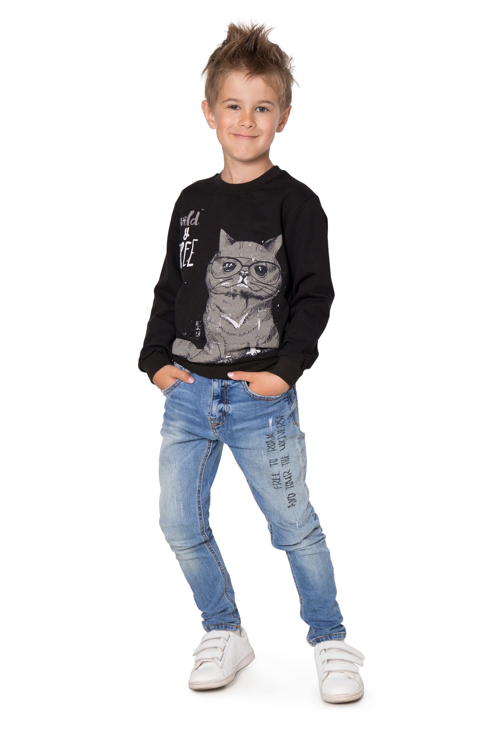 Свитшот Little world of alena ДЖ05-2936-1_черный_98-104 4, 104 размерДЖ05-2936-1_4_134-140Базовый джемпер из мягкого футера для мальчика сочетается с брюками, спортивными штанами и джинсами. Его можно надеть в детский сад, на прогулки или носить дома. Длинные рукава заканчиваются широкой трикотажной резинкой, которая обеспечивает плотное прилегание к запястьям. Круглая горловина не имеет застежек. Свободный крой не стесняет движения.