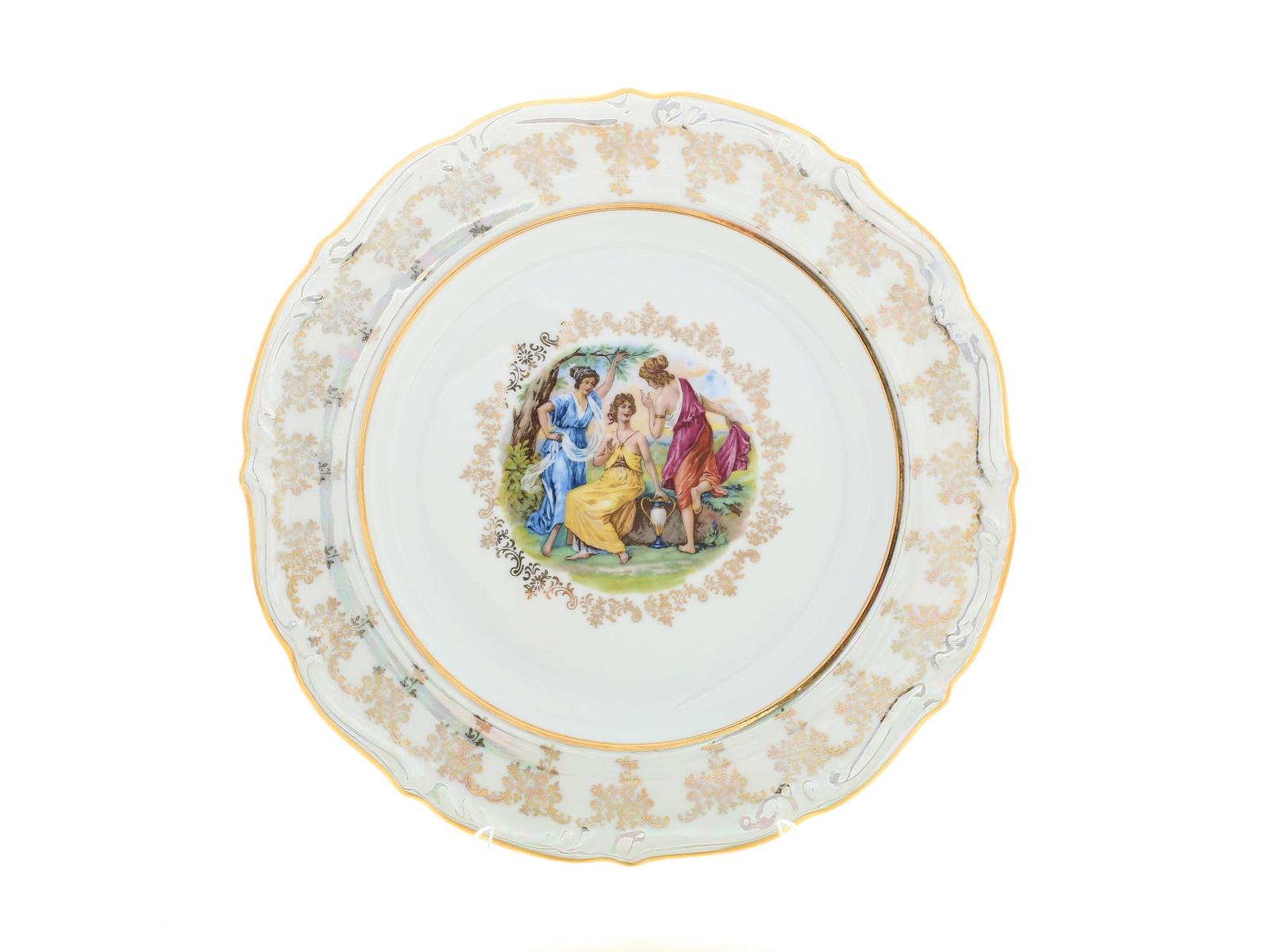 Блюдо круглое Royal Czech Porcelain Мадонна. Корона, 32767, 30 см32767Czech Porcelain покорил ценителей фарфора классическими изделиями, созданными по старинным технологиям.Эта посуда наиболее приспособлена для постоянного использования.Посуду высоко ценят за высокие прочностные характеристики. Главной ценностью фарфора является его внешний вид — это белый материал, часто с красивой росписью. Благодаря тому, что материал может быть сравнительно тонким, посуда выглядит особенно изящной.