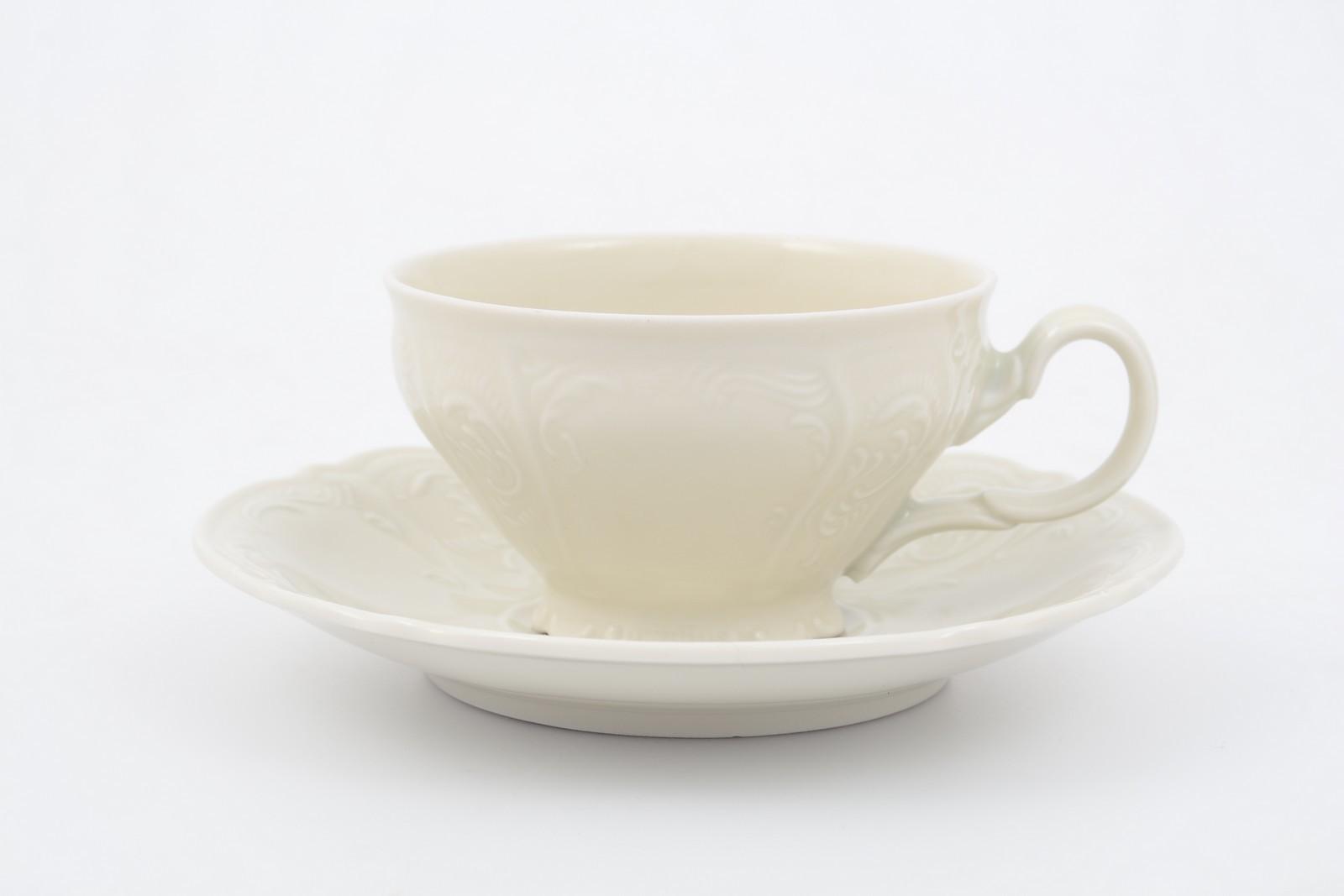 Набор чайных пар 220мл Бернадотт Недекорированный BE-IVORY (6 пар)31720Бренд Вernadotte покорил ценителей фарфора классическими наборами, созданными по старинным технологиям.Эта посуда наиболее приспособлена для постоянного использования.Отели, рестораны, гостиницы высоко ценят её за высокие прочностные характеристики. Главной ценностью фарфора является его внешний вид — это белый материал, часто с красивой росписью. Благодаря тому, что материал может быть сравнительно тонким, посуда выглядит особенно изящной.