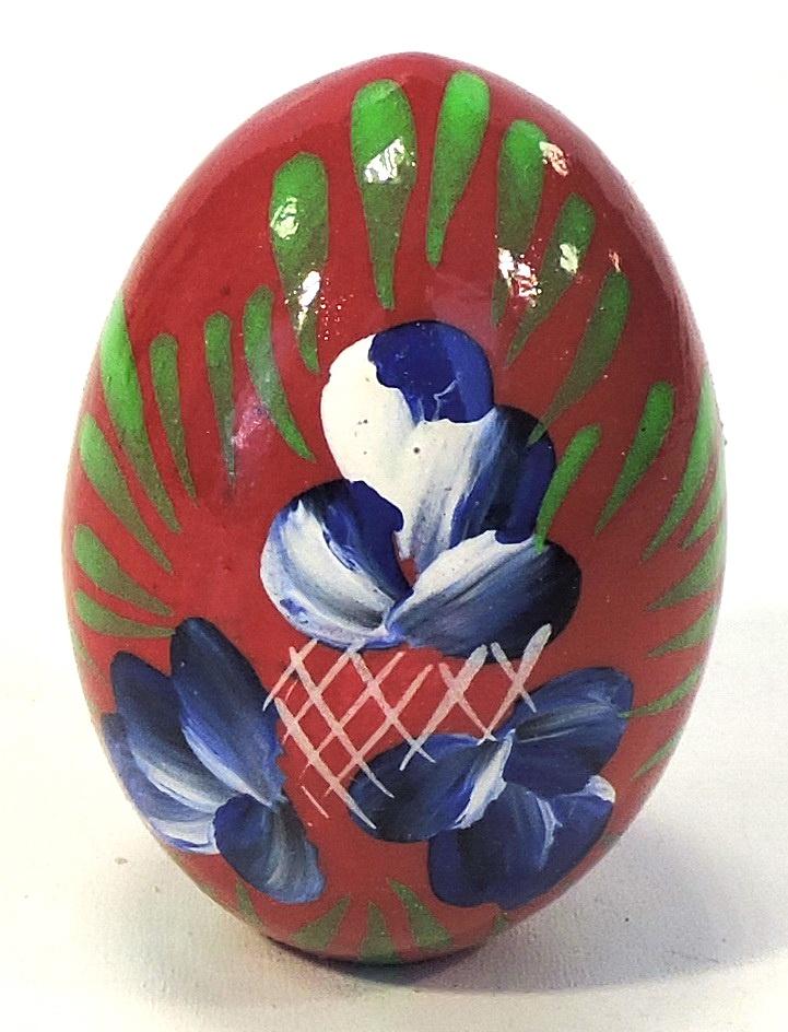 Пасхальные сувениры . Яйцо малое красное с синими цветками