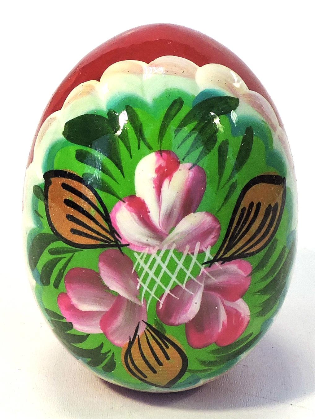 Пасхальные сувениры . Яйцо большое сиреневые цветки на зеленом