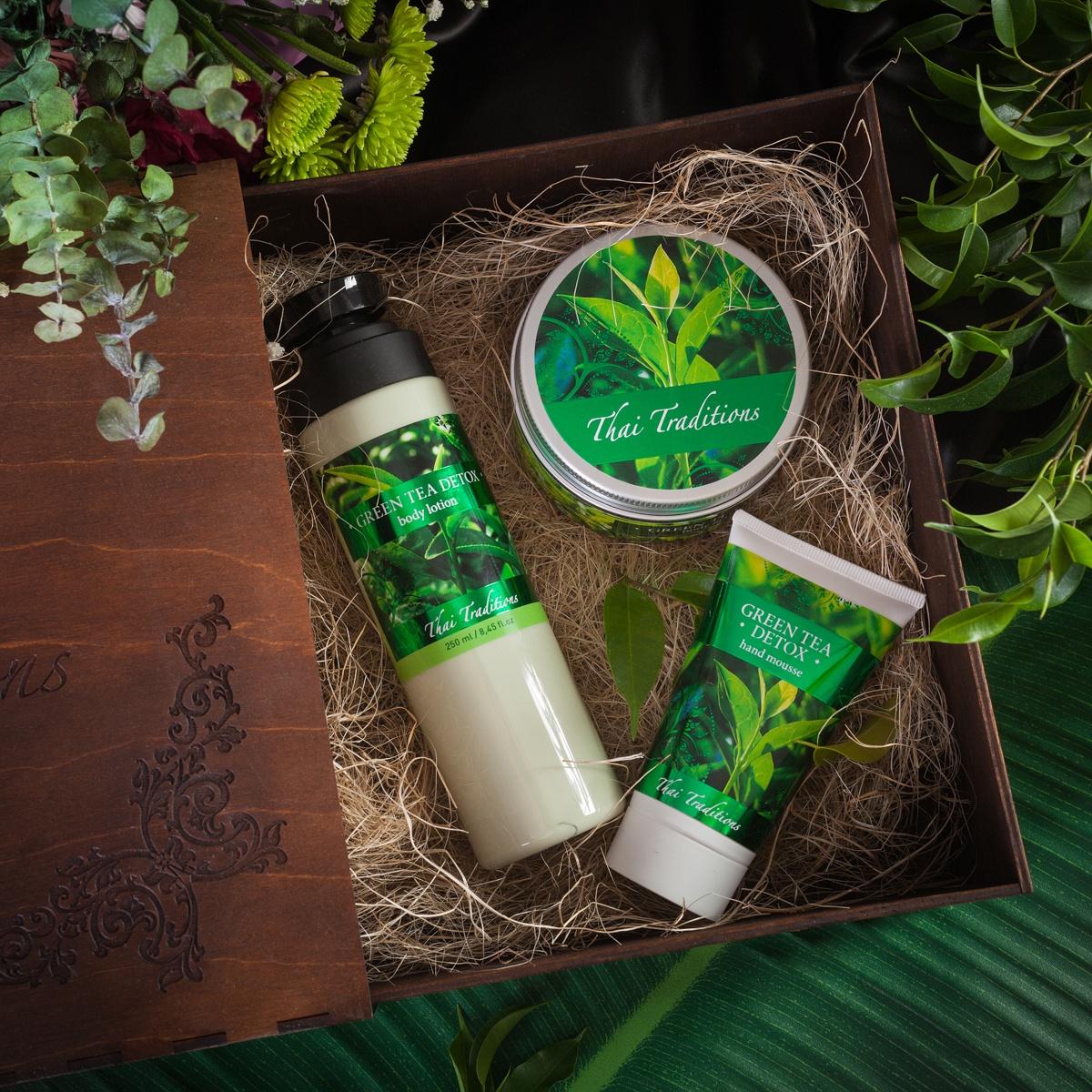Подарочный набор для тела Зеленый Чай Детокс, Лосьон для тела, 250 мл + Скраб-гель для тела, 200 мл + Мусс для рук, 75 мл