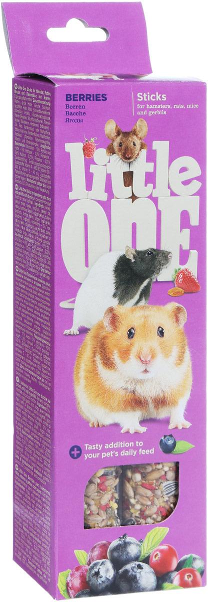 Лакомство для хомяков, крыс, мышей и песчанок Little One Sticks, с ягодами, 2 х 60 г лакомство для хомяков крыс мышей и песчанок little one sticks с фруктами и орехами 2 х 60 г