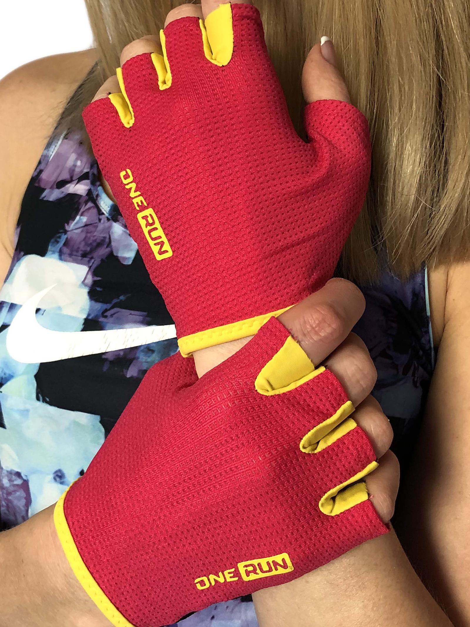 Перчатки для фитнеса OneRun женские, 16-7175P-S, розовый, черный, размер S