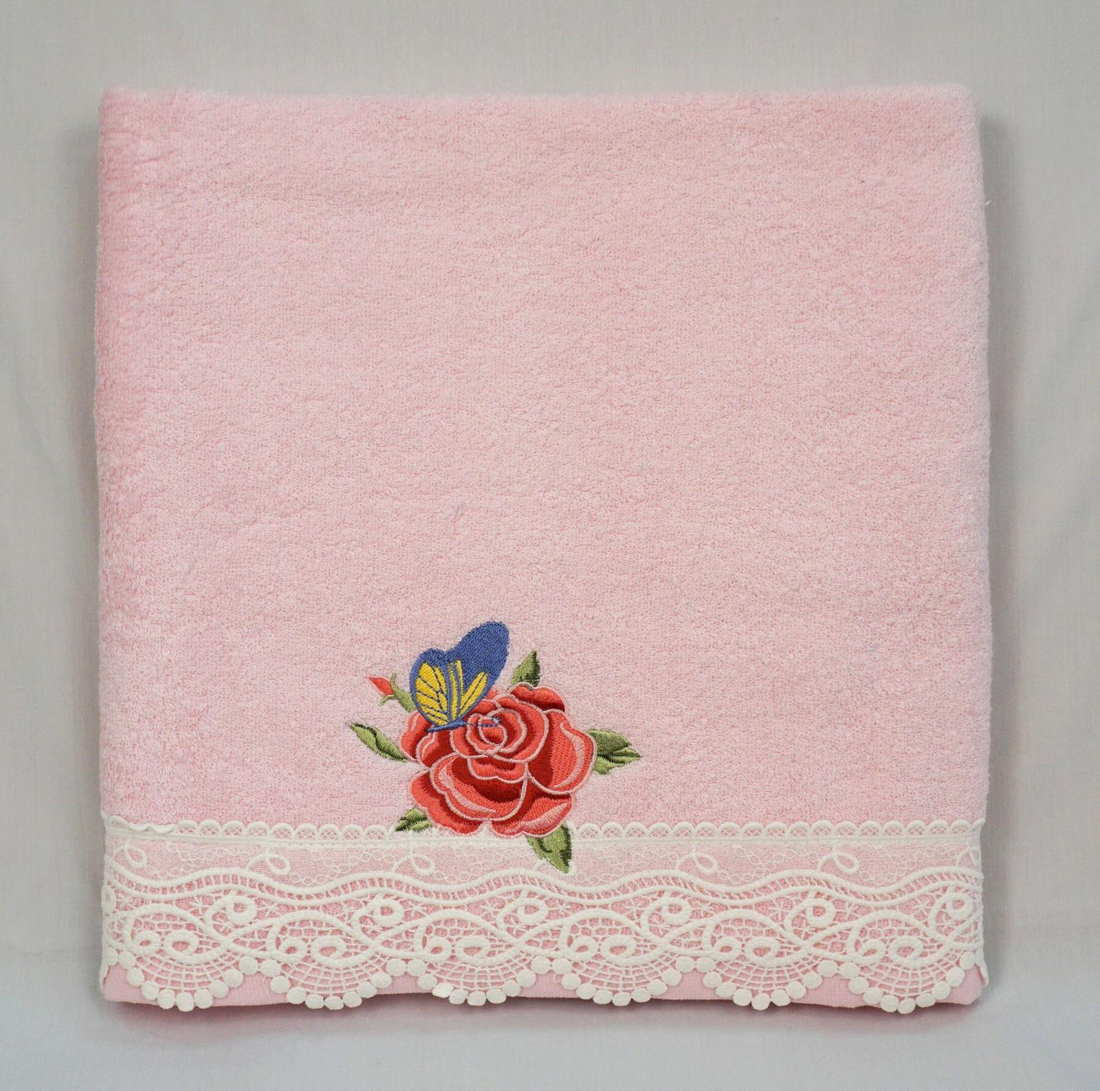 Полотенце банное Grand Stil Николь, размер 65*135, 14-54b, розовый14-54brБанные махровые полотенца.Торговая Марка «Гранд стиль» производит и реализует текстиль только наивысшего качества. Мы предлагаем махровые изделия изготовленные из бамбука хлопка и модала. Наши полотенца прекрасно впитывают влагу, не линяют и не выцветают