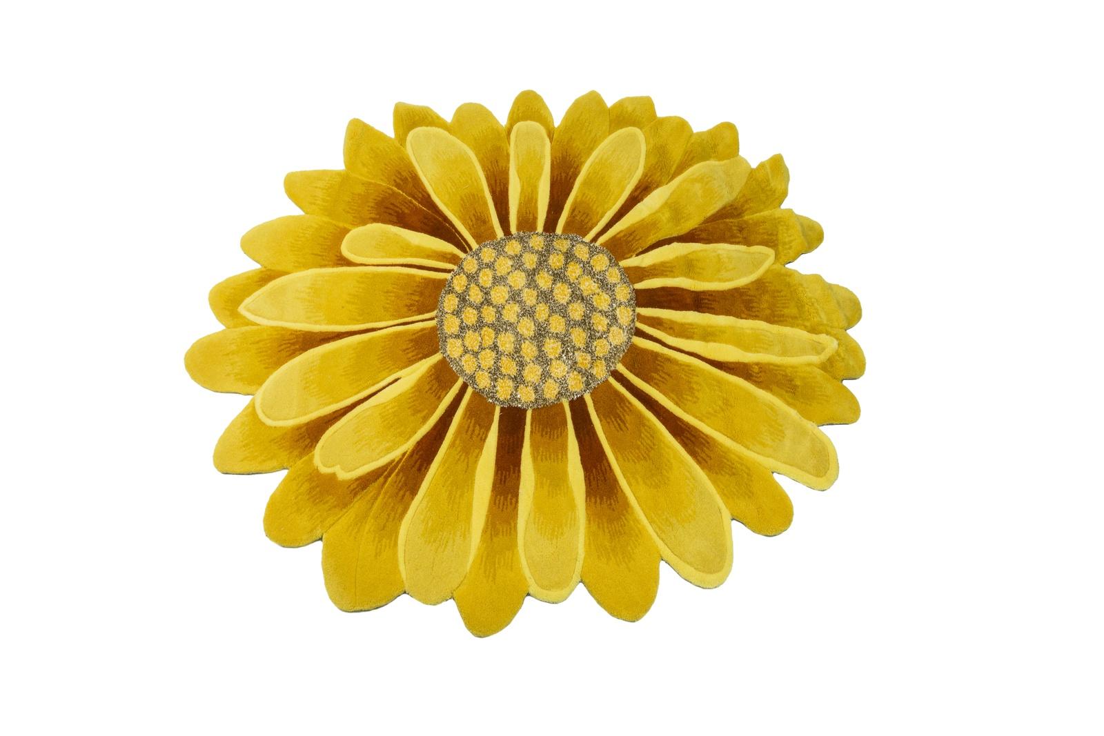 Ковер MADONNA 1,2х1,2 м /фигурный, желтый4690317083122Ковер – полотно, которое чаще представлено в виде прямоугольника, квадрата, круга или овала. Оно может быть маленьким, умеренного размера или габаритным. Некоторые формы и вовсе креативны и имеют край в виде фестонов, полукругов, зигзагов, волн. Иногда ковры выполнены в виде цветов или силуэта шкуры животного. Они не имеют излишне вытянутой формы, практически всегда широкие, отличаются богатым выбором колоритной расцветки с добавлением оригинального узора или не имеют его вовсе. Данное ковровое изделие высотой ворса 14 мм., плотностью набивки 400000 узлов/м2, весом 2900 гр/м2 отличается прочностью и долговечностью. Изготовлено оно из материала АКРИЛ 100% на основе Джут ткан. Акрил имитирует почти все свойства шерсти, т.е. является ее синтетическим аналогом. Кроме того, данный материал более упругий и более дешевый. Сейчас в производстве ковров акрил только добавляют к другим волокнам, самостоятельно его не используют.