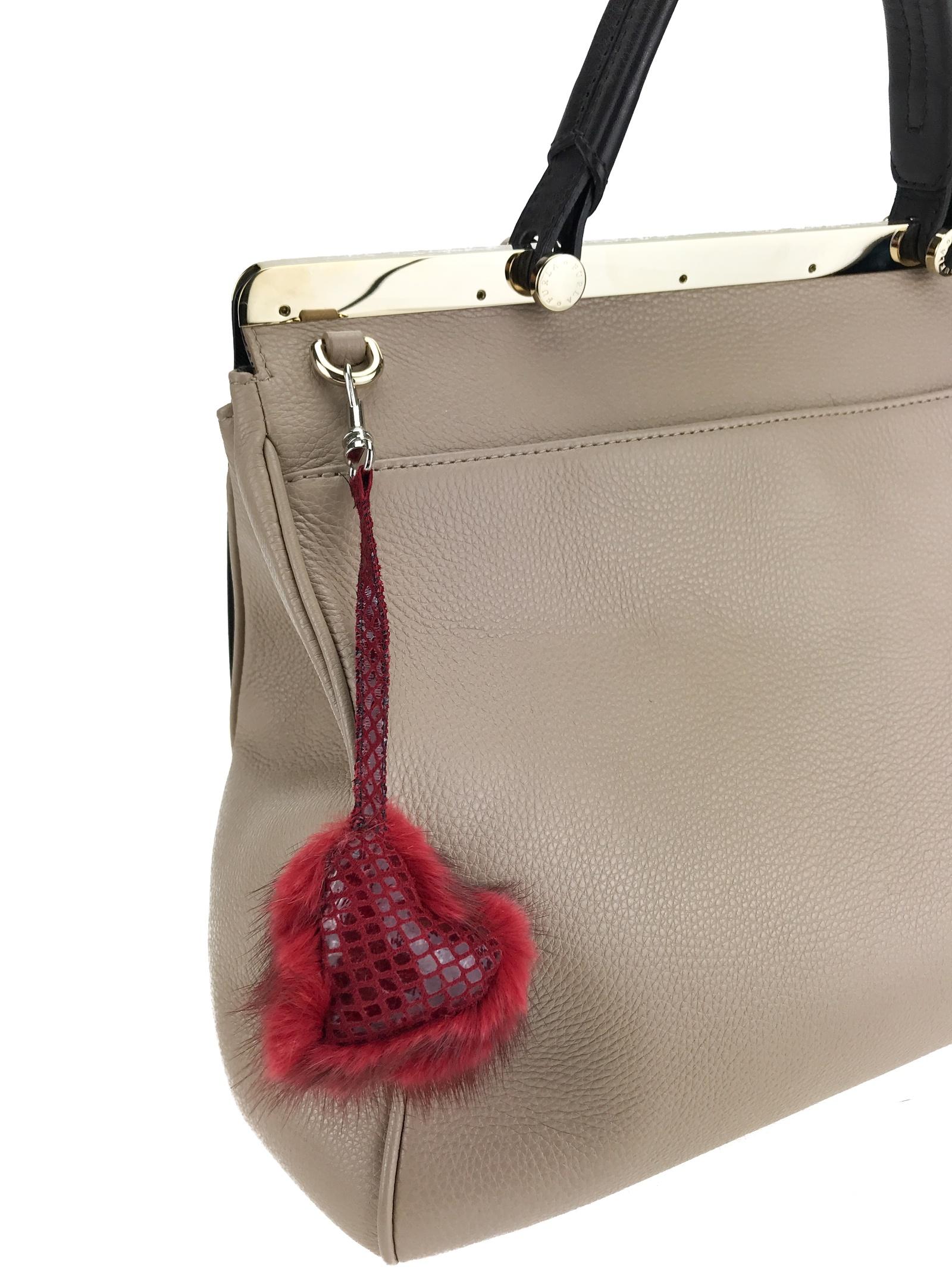 купить Брелок на сумку,цвет:красный, мех норки, Mex-Style, б/р по цене 950 рублей