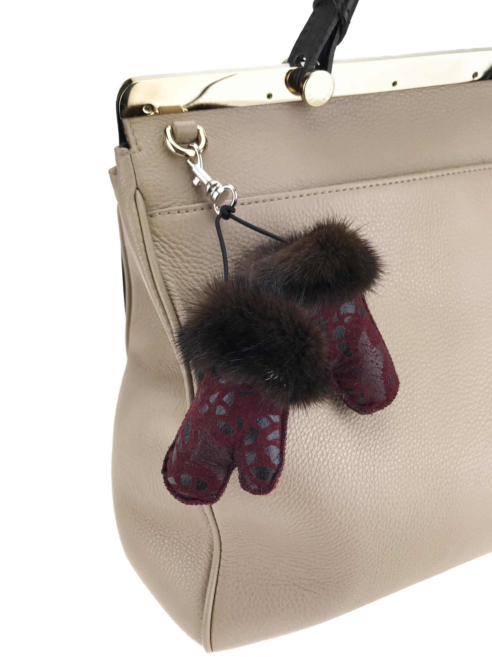 купить Брелок для сумки Mex-Style Брелок-рукавички, бордовый по цене 1010 рублей