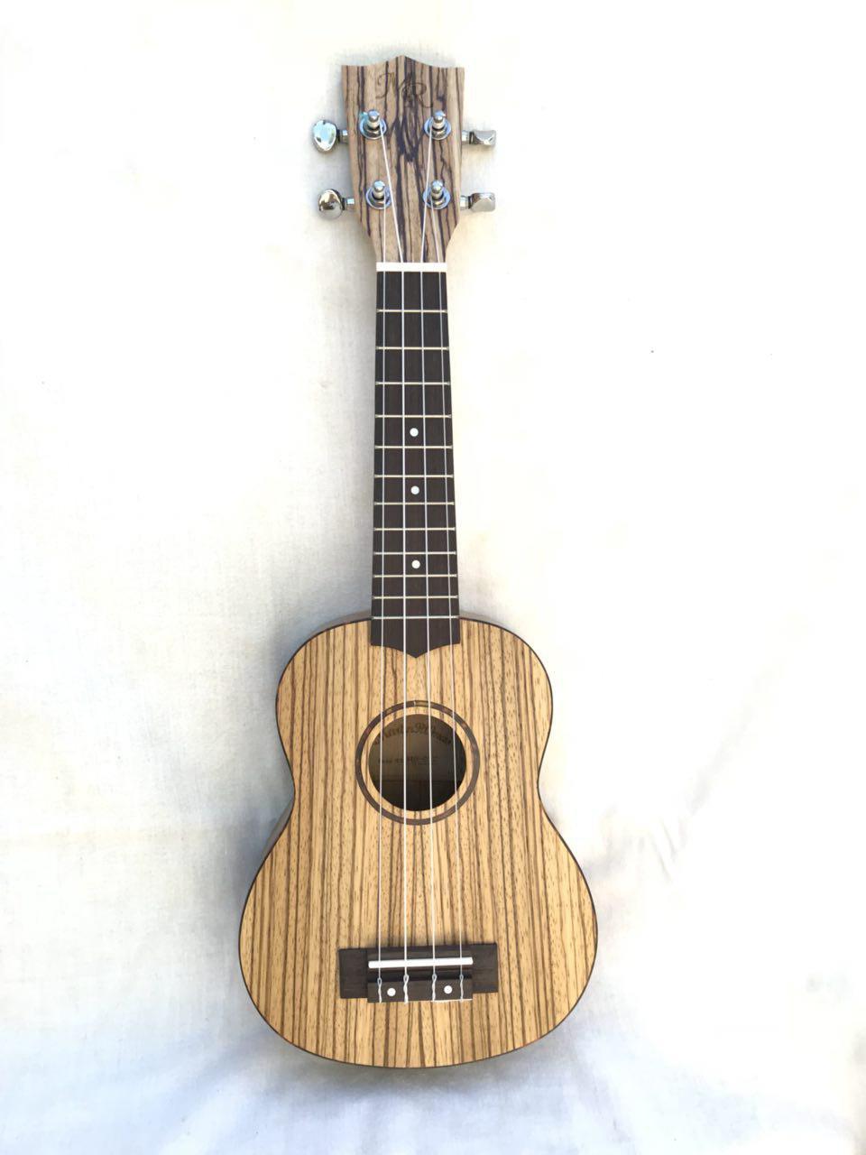 MARTIN ROMAS MR-01Z - Укулеле сопрано (21) цвет - натуральный, с ЧЕХЛОМ укулеле enya eut 20 с чехлом
