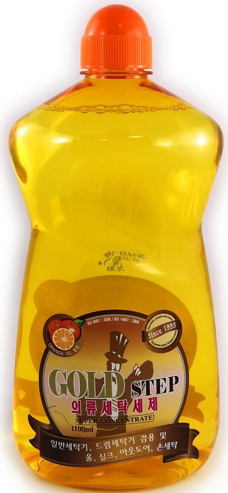 Жидкое средство для стирки KMPC 582477582477Высокоэффективное суперконцентрированное жидкое средство для стирки с натуральным апельсиновым маслом, ферментами и частицами золота подходит как для машинной, так и для ручной стирки. Особенно рекомендуется использовать для стирки для шерстяных и шелковых изделий, нижнего белья, а также одежды высокого качества. Входящие в состав натуральное апельсиновое масло и ферменты отлично отстирывают даже самые застарелые пятна и устраняют неприятные запахи, не повреждая ткань.После стирки ваша одежда засияет безупречной чистотой и приобретет легкий цитрусовый аромат.Особенности продукта:- При производстве используется экологически чистое сырье, безопасное для человека и окружающей среды. Не вызывает раздражение кожи.- Средство минимизирует повреждение ткани.- Ферменты и апельсиновое масло в составе эффективно удаляют даже сильные и устойчивые загрязнения.- PH - нейтральный.Рекомендации по применению:1. Всегда следуйте рекомендациям по стирке, указанным на ярлыке одежды. 2. При ручной стирке (при температуре воды не выше 30?С) смешать с водой определенное количество средства, постирать белье, ополоснуть 2-3 раза, затем высушить. 3. Для удаления пятен нанести средство на пятно или загрязнение и оставить на 5 минут, затем стирать обычным способом. Поскольку данный концентрат не является пятновыводителем, то возможно, что после его применения некоторые виды пятен не удалятся окончательно. * Эффективное время стирки : шелковые вещи – 5 мин., шерсть – 10-15 мин., другая одежда – 10-20 мин....