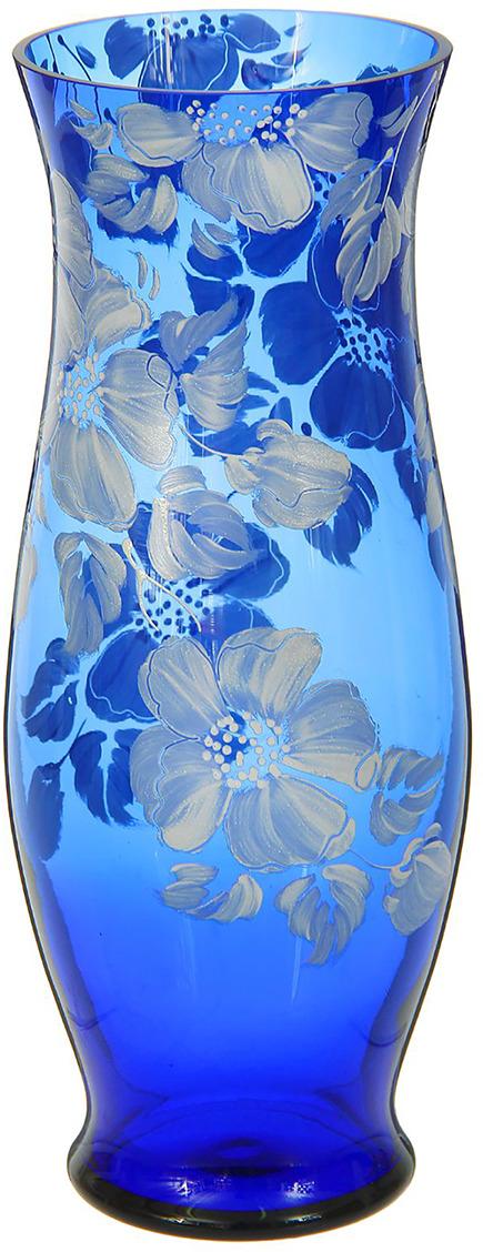Ваза Классик, 1298236, синий, 10 х 10 х 30 см1298236Ваза - не просто сосуд для букета, а украшение убранства. Поставьте в неё цветы или декоративные веточки, и эффектный интерьерный акцент готов! Стеклянный аксессуар добавит помещению лёгкости.Ваза Классик, синяя, цветочная преобразит пространство и как самостоятельный элемент декора. Наполните интерьер уютом!Каждая ваза выдувается мастером. Второй точно такой же не встретить. А случайный пузырёк воздуха или застывшая стеклянная капелька на горлышке лишь подчёркивают её уникальность.