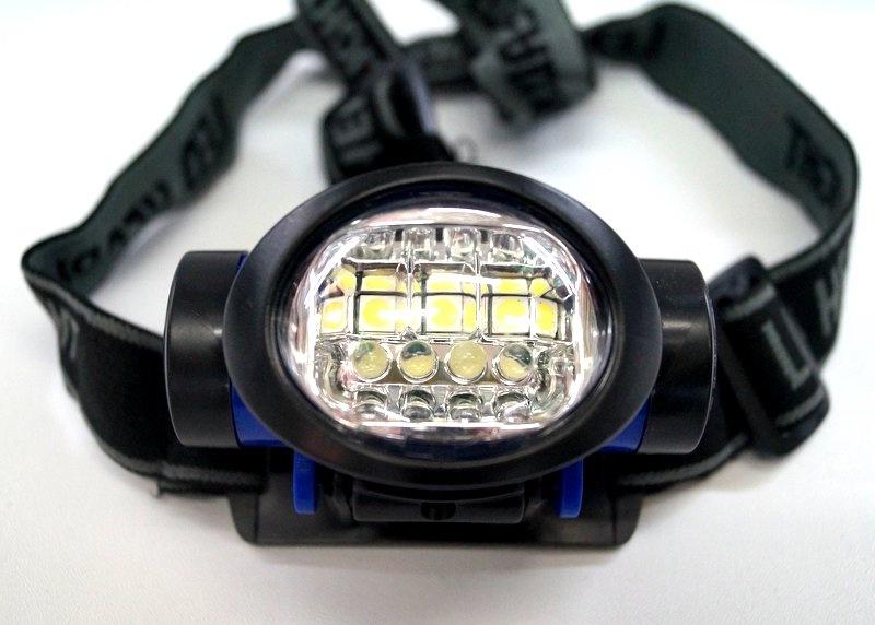 Налобный фонарь TipTop 402192245, 4605180067261, черный4605180067261Время работы: 12чДальность светового луча: 5мКоличество светодиодов: 7 шт.Мощность лампы: 10 ВтПитание: 1 или две батарейки 18650Режимы работы: Максимальный, Сберегающий, МигающийСветовой поток: 12LMТип диода: LED+COBТип лампы: Светодиодная