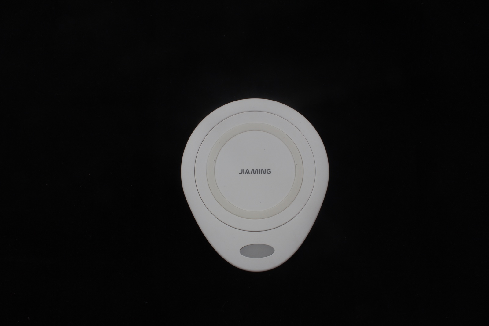 Фото - Беспроводное зарядное устройство JIA MING WX1, 4605180034195, белый беспроводное зарядное устройство тотем z 3818q05b 201804 белый