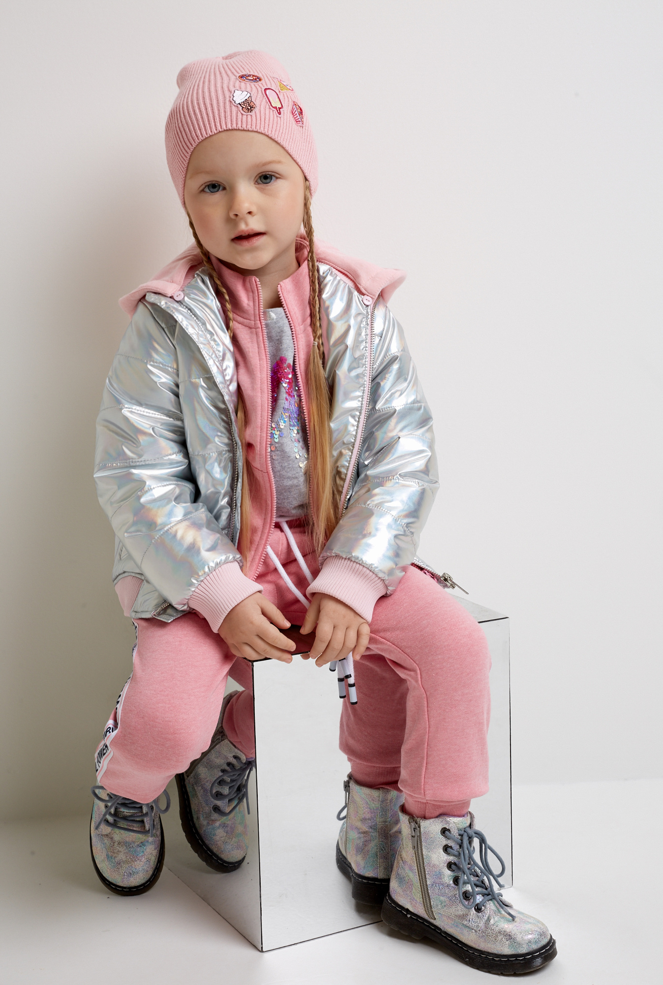 Куртка Acoola куртка для девочки acoola tyrion цвет разноцветный 20210130179 9000 размер 146