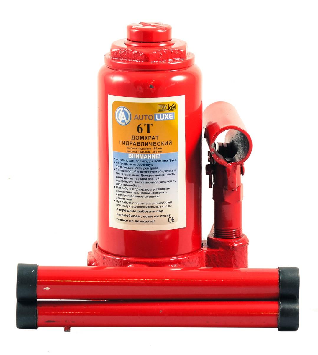 Гидравлический домкрат Autoluxe грузоподъемностью до 6 тонн, красный гидравлический домкрат autoluxe подкатной грузоподъемность до 3 тонн красный