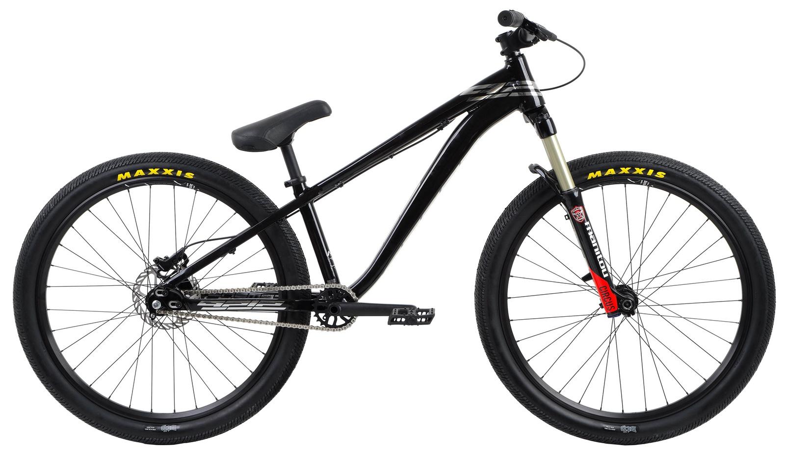 Велосипед Format 9212, RBKM8B669002, черныйRBKM8B669002Модный дизайн с хромированными вставками делают Format 9212 просто неотразимым. Дизайнеры Format преобразили его глянцевыми хромированными вставками с названием модели, придав ему элегантности. Эмблема 9212 на сидении и глянцевый окрас рамы – добавлены, чтобы подчеркнуть твой стиль.