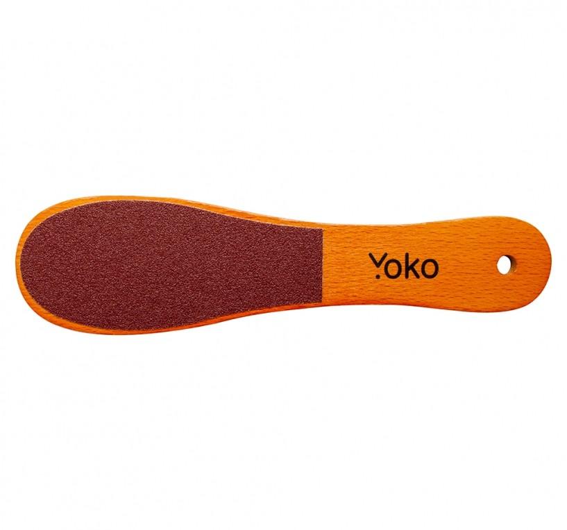 Терка педикюрная Yoko SFP 013 1Y SFP 013Профессиональные педикюрные тёрки Yoko используются для обработки кожи стопы при проведении педикюрных процедур. Тёрки имеют две стороны – с крупным и мелким абразивом для удаления огрубевшей кожи и для шлифовки кожи в завершение процедуры. Тёрка на деревянной основе изготовлена из бука и покрыта специальным лаком. В качестве рабочей поверхности применяется абразив из алмазной крошки.