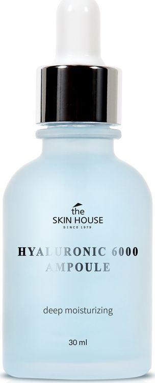 Сыворотка для лица The Skin House, увлажняющая, с гиалуроновой кислотой, 30 мл823415Увлажняющая ампульная сыворотка с гиалуроновой кислотой борется сухостью и обезвоживанием. Средство повышает упругость и эластичность кожи, поддерживает ее напитанной. Гиалуроновая кислота удерживает молекулы воды на поверхности эпидермиса, не допуская пересыхания кожи и устраняя имеющиеся шелушения. Заполняет влагой морщинки и другие неровности рельефа, делая поверхность кожи гладкой. Предупреждает формирование морщин, возникающих в результате чрезмерной сухости. Наполняет кожу здоровым сиянием и улучшает цвет лица.